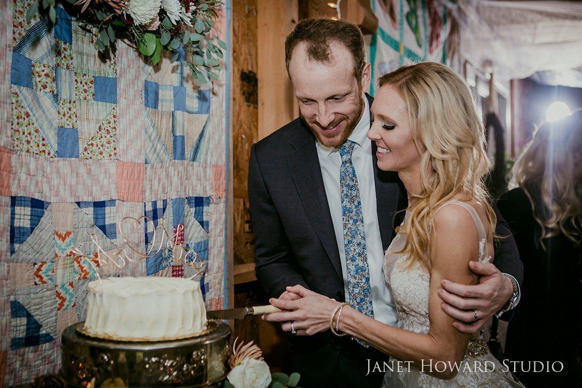 rustic wedding cake cutting