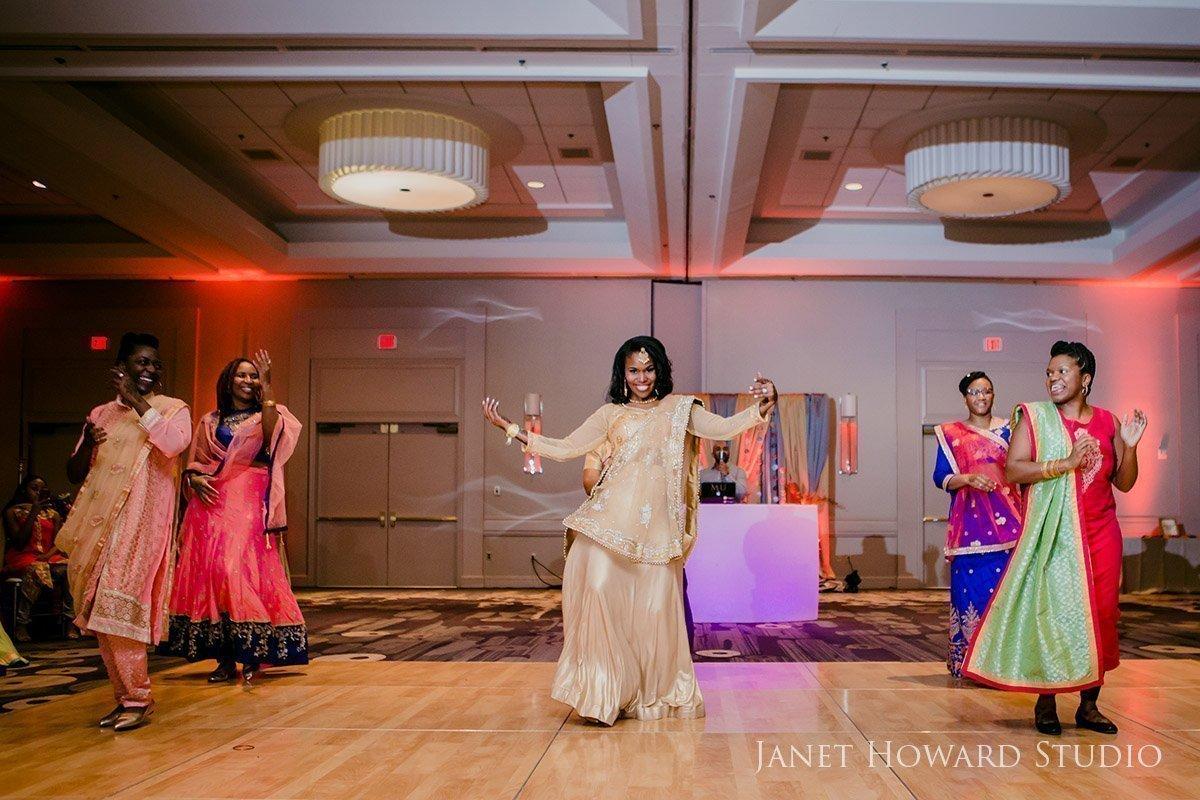 Bride dances at Sangeet