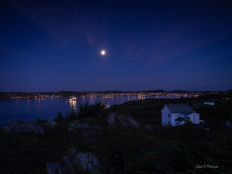 cityscape, seascape, moonrise, Twillingate, NL