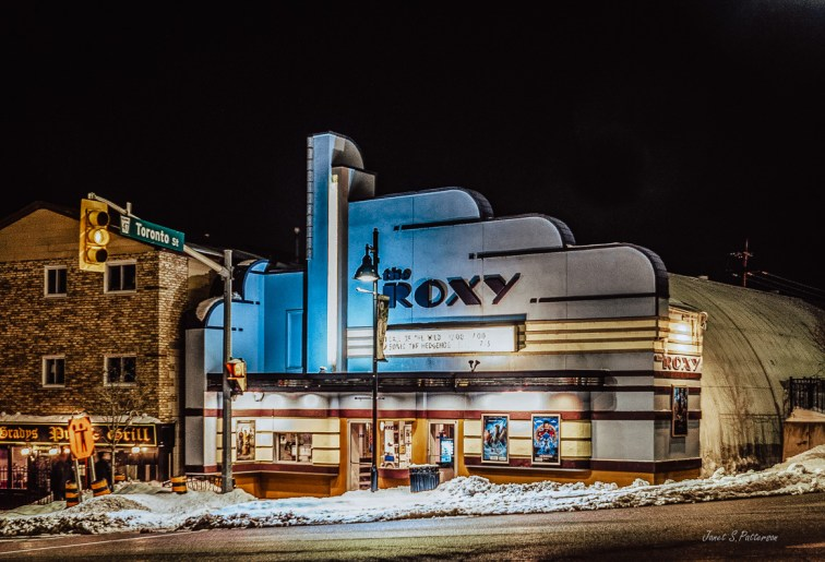 architecture, movie house, cityscape, Uxbridge, winter
