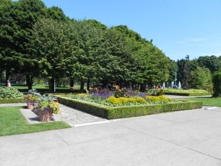 Toronto Island gardens