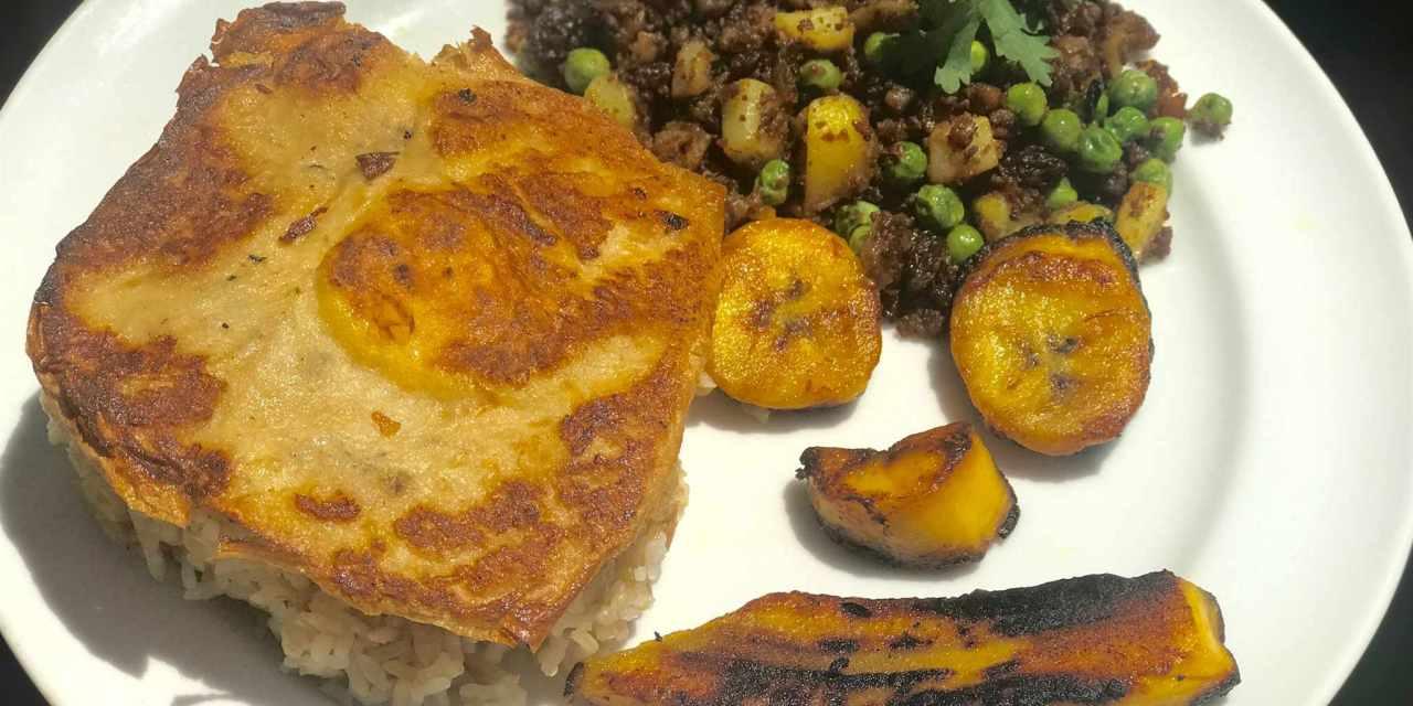 Arroz a la Cubana with Vegan Egg & Platanos