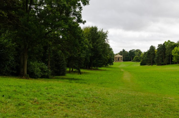 grecian-valley-at-stowe-a-capability-brown-garden