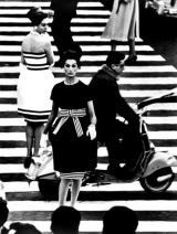 nina-simone-piazza-di-spagna-rome-vogue-1960-by-william-klein-c05017e