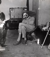 weegee_clown-in-dressing-room-ringling-brothers-and-barnum-amp-bailey-circus