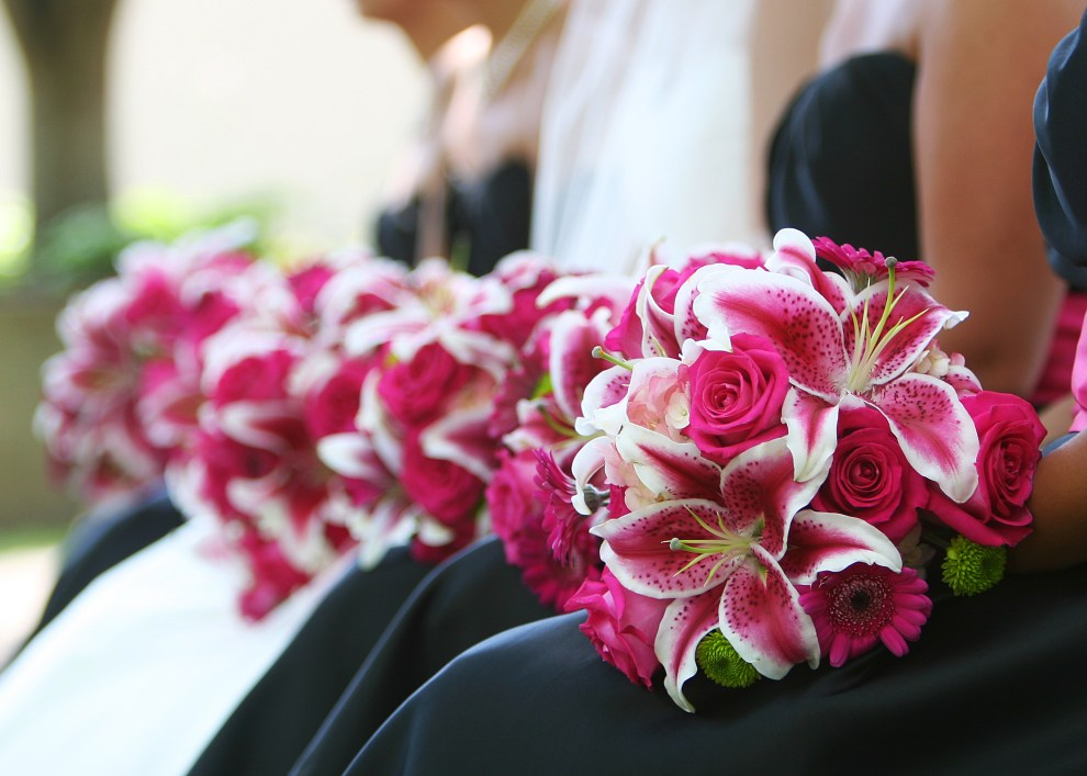 hot pink bridal bouquet, bridesmaids, stargazers, wedding bouquet, small business, lake of the ozarks, wedding flowers, lake of the ozark weddings, rentals, lake of the ozark wedding rentals, camdenton, osage beach, lake ozark, janine's flowers