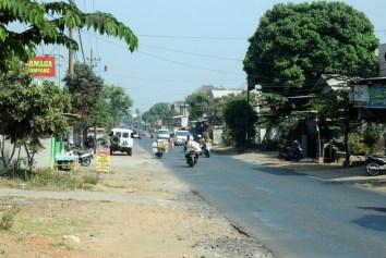 Kilkanaście kilometrów od Malangu jest miejscowość Tumpang. Umyśliliśmy sobie, że stąd ruszymy na wulkany.