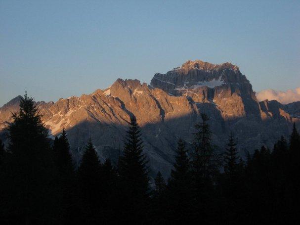 Sorapis (3205) w zachodzie słońca.