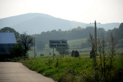 Polska wieś na Bukowinie.