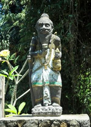 Bali Aga. Wioska Tenganan. Społeczność Bali Aga to oryginalni mieszkańcy Bali, którzy chroniąc się w górskich przysiółkach, zachowali swoje zwyczaje, tradycje i sposób życia jeszcze sprzed rozprzestrzenienia hinduizmu na wyspie.