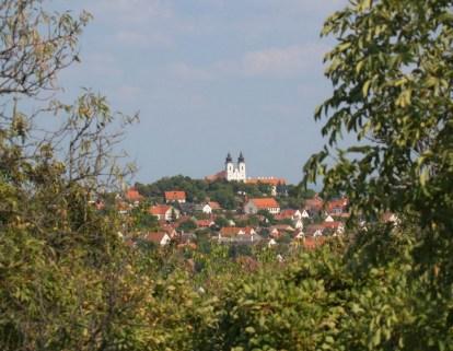 Opactwo benedyktynów założone z XI wieku, choć dzisiejszy kształt do barokowa odbudowa z XVIII wieku.