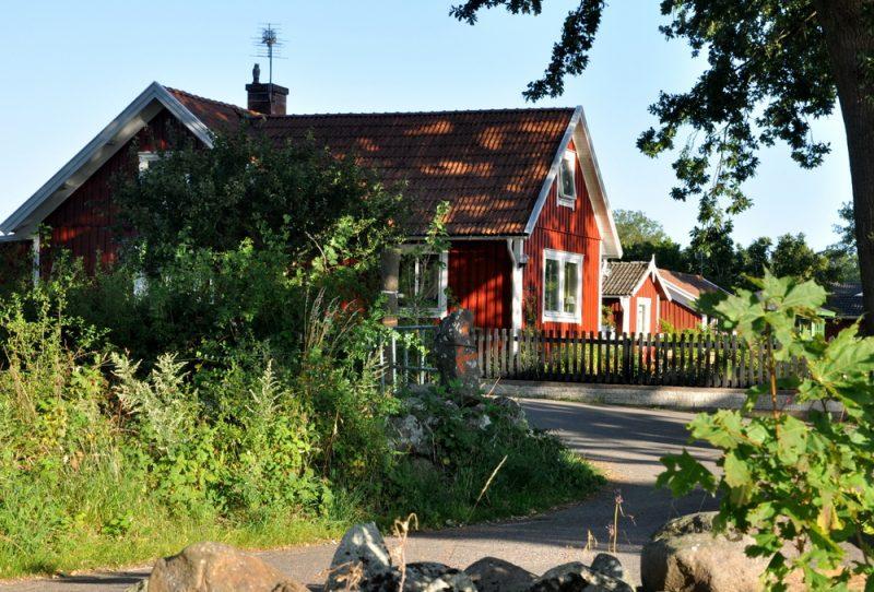 Czerwień faluńska kładziona na domach zarówno miast, jak wsi.