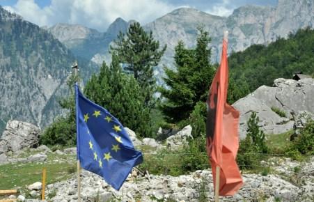 Zakusy na Unię Europejską są dość powszechne. Albania stara się.