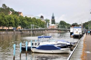 """Najbardziej """"kultowe"""" miejsce w Turku, """"promenada"""" nad rzeką Aurajoki."""