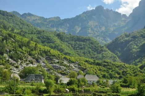 Theth. Uchodzi za jedną z najbardziej izolowanych osad w Europie.