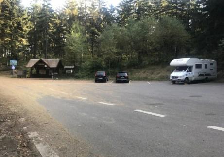 Ostaš był po drodze w Broumovske Steny. Kamper daje tę wolność, że stajesz, gdzie chcesz. Tu jesteśmy pod Hvezdą.