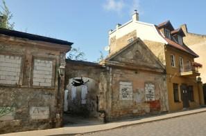 W czasach radzieckich bardzo zaniedbana dzielnica, teraz powoli odnawiana. Do tanich zniszczonych mieszkań zaczęli sprowadzac się artyści, chociaż podobno do tej pory wielu ludzi mieszka tu w tzw. squatach.