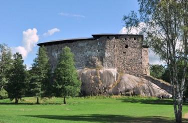 Raseborg, XIV w. Niegdyś otoczony wodami Bałtyku. Jego głównym celem była ochrona interesów Szwecji w południowej Finlandii. Teraz kilkanaście km od brzegu.