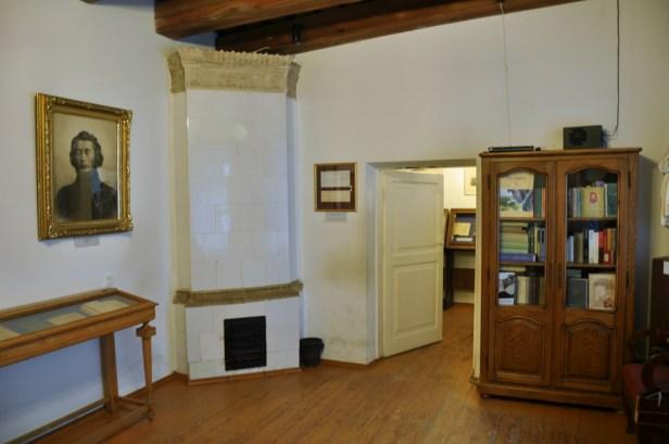 Muzeum Adama Mickiewicza - to właściwie 2 pokoiki. Ten jest drugi, a następny jest pierwszy :)