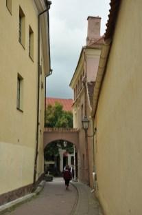Zaułek Bernardyński, w którym między innymi mieściło się mieszkanie, a obecnie muzeum Adama Mickiewicza.