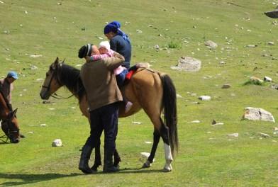 Życie rodzinne też toczy się na koniach ;)
