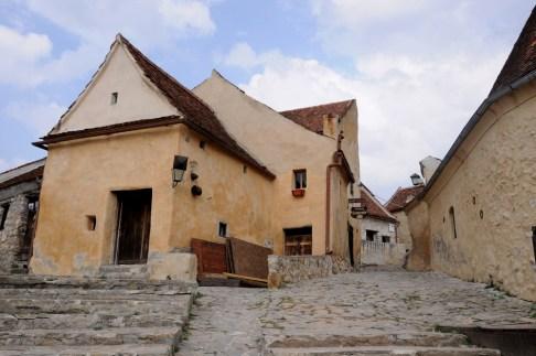 Miasteczko w obrębie murów zamku obronnego.