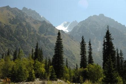 Przerzucamy się w Tien Szan Północny, pasmo Kyrgyskij Alatau i Park Narodowy Ala Archa.