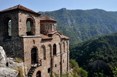 Z twierdzy została kupa kamoli, ale poniżej zachowała się piętrowa cerkiew św. Bogurodzicy Petriczkiej (XII w).