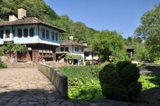 """Etyr. Takie """"openair"""" muzeum, """"żyjącą"""" oryginalna wioska z XIX wieku."""