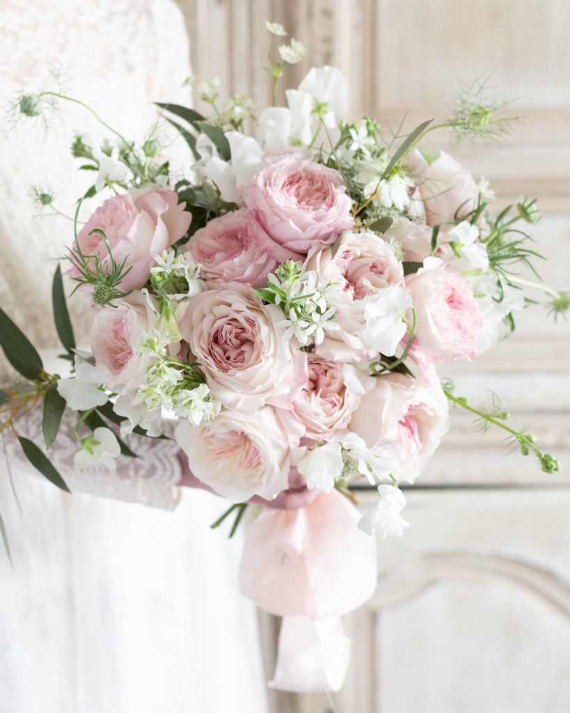wedding inspiration with roses