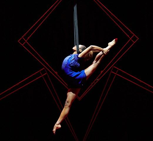 Cirque Eloize HOTEL. Performances. Photo: Pierre Manning - Shoot Studio