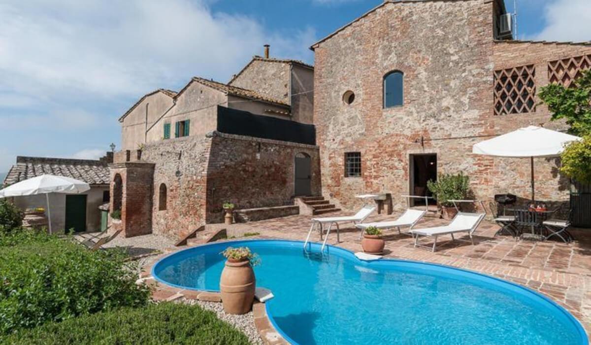 منازل لقضاء عطلة مميزة في بلدة سان جيوفاني الإيطالية