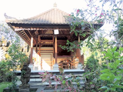 "On the ""yes, please"" list is this traditional Balinese house called ""sikut satak"" in Tampaksiring, Gianyar. A one-minute walk from the village, it has its own family temple and rates start at just $13."