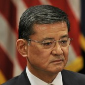 Picture cropped from AFGE's Photostream on Flickr (https://www.flickr.com/photos/afge/)