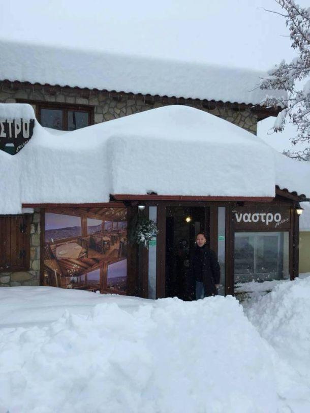 Enorme sneeuwval  in Trikala Korinthias, Peloponnesos, Griekenland, 23 december 2017 (bron: Forecast Weather Greece).
