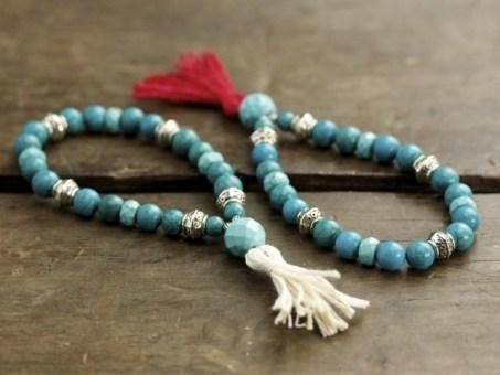 Turquoise Howlite & Silver Mala
