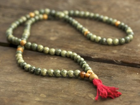 Russian Serpentine and Olivewood Full Mala
