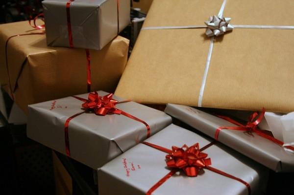 presents-1058800_640