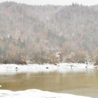 穂別ダムの紅葉と雪景色。前回のが画像がいまいちで。むかわ町。11月