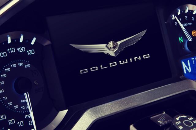 2019 Honda Gold Wing gauges
