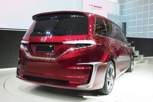 2020 Honda Odyssey rear look