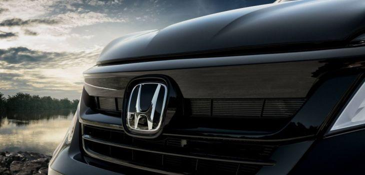 2020 Honda Pilot side