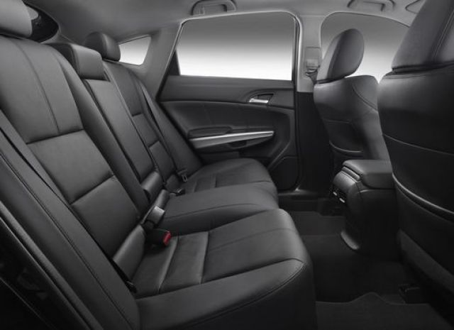 2020 Honda Crosstour seats