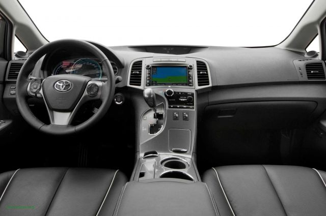 2020 Toyota Venza interior