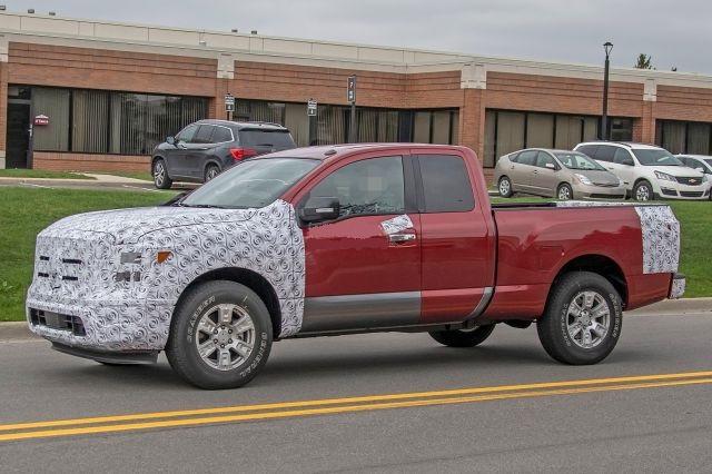 2020 Nissan Titan XD side