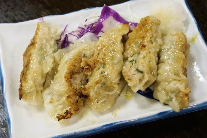 Gyoza Dumplings 焼餃子 - もつ焼き 稲垣 Grilled organ meat MOTSUYAKI INAGAKI