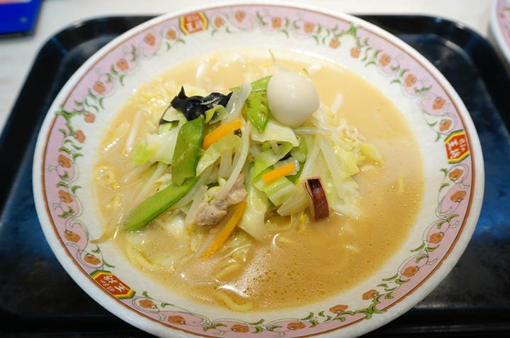 Gyoza OHSHO 餃子の王将 Champon Noodles with Seafood, Pork, and Vegetables in soy sauce pork bone based broth チャンポン