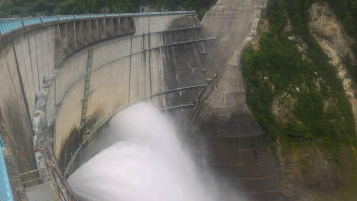 Kurobe Dam 黒部ダム Tayeyama 立山