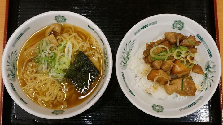 Half Syoyu Ramen, Yakitori Don of HIDAKAYA 日高屋 半ラーメン やきとり丼