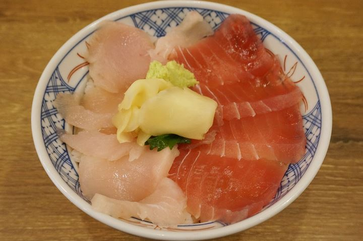 2 kinds of tuna in a bowl まぐろ2色丼 - ISOMARU SUISAN 磯丸水産